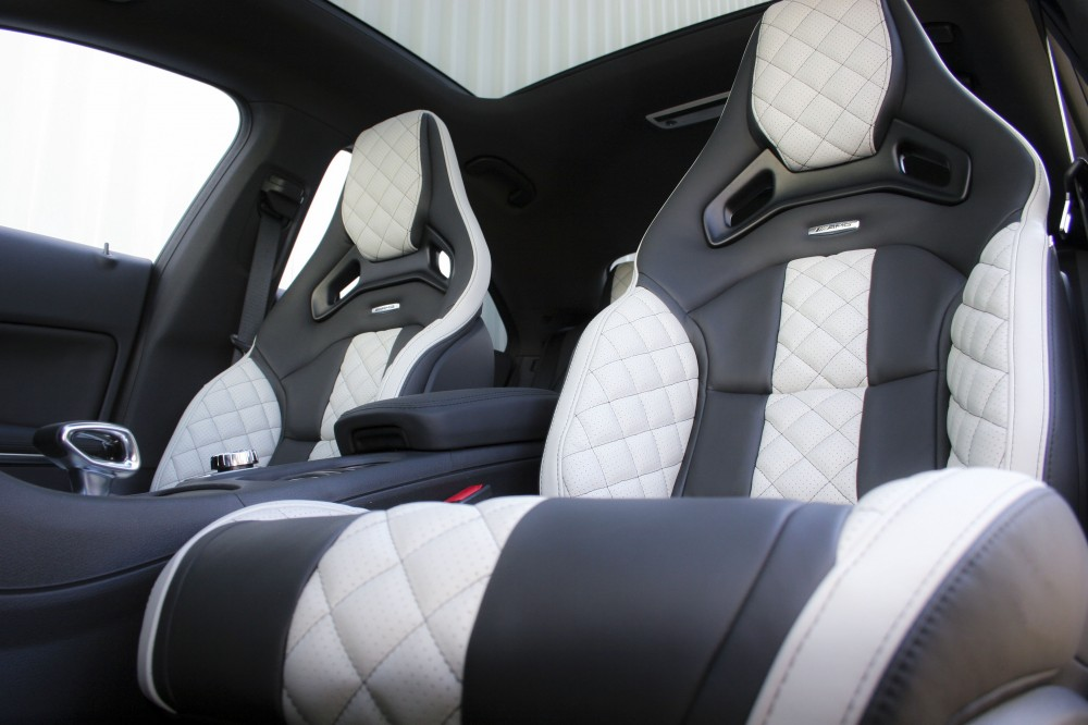 Merc 117 Cla 45 Amg Black Nappa With Portland Grey Quilted Sections 005 1000